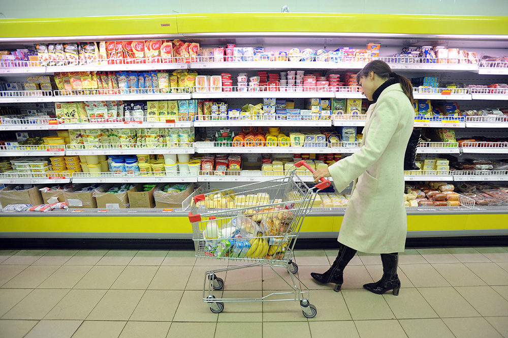 Сколько денег в украинцев уходит на продукты питания