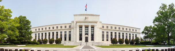 Обзор валютного рынка: Федрезерв будет менее осторожным, чем ожидалось