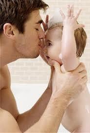 Отцов обязывают забирать своих детей из роддома (закон)