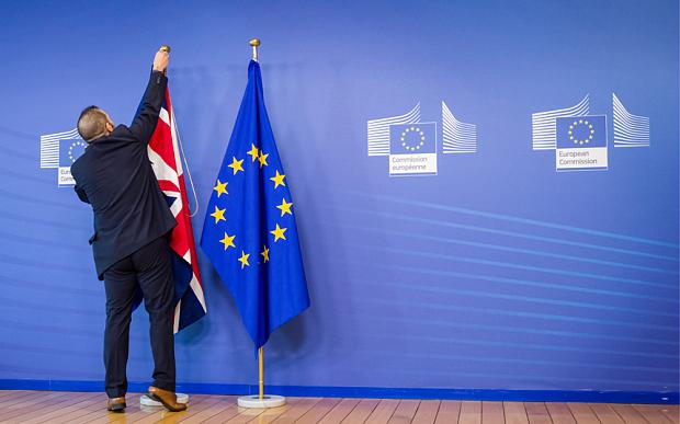 Bloomberg: финансисты приготовились «продавать все» из-за Brexit