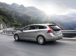 Volvo V60: первый в мире гибрид на подзарядке