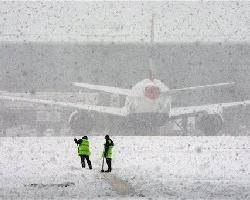 Снегопады спровоцировали транспортный коллапс в Европе