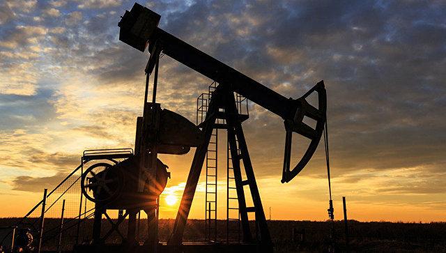 Brent поднялась выше $54 за баррель на фоне ожиданий продления сделки ОПЕК