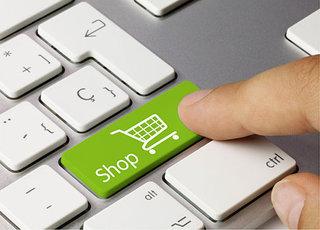 В украинских интернет-магазинах теперь можно расплатиться карточкой и получить за это скидку