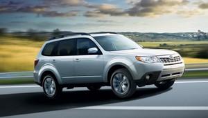 В Сети появились новые снимки кроссовера Subaru Forester