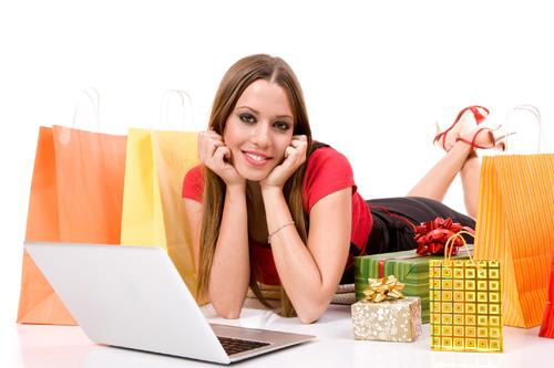 Почему выгодно совершать покупки через интернет?