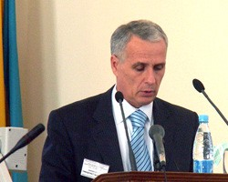 Отрицательное сальдо внешнеторгового баланса Украины за 2010 г. увеличилось до 3 млрд долл