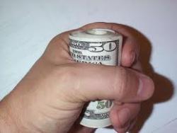 Как заработать деньги, не покидая квартиры