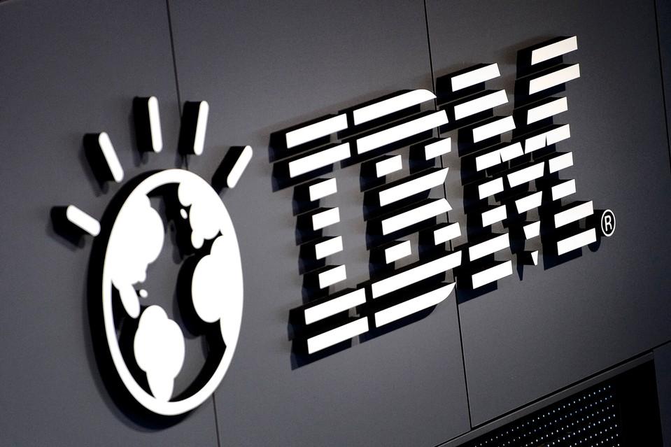 IBM отчиталась о снижении прибыли