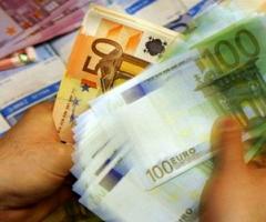 Схватка евро с долларом продолжается