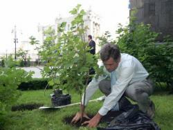 У Ющенко нет денег даже на садовника