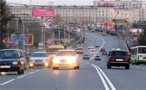 Для украинских водителей включение ближнего света фар станет обязательным