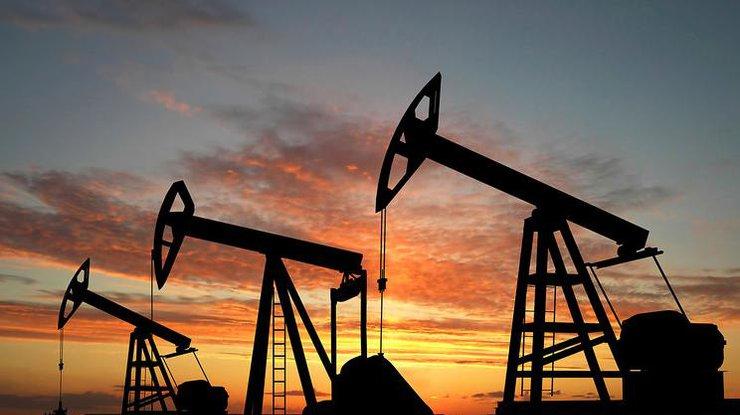 Нефть подешевела до ноябрьского минимума