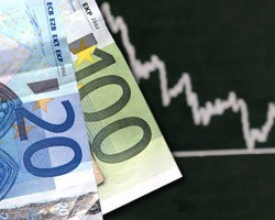Евро на наличном рынке подешевел на 20 копеек