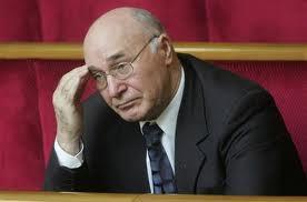 Янукович назначил экс-главу НБУ Стельмаха своим советником