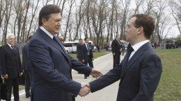 Янукович рассказал Медведеву о важности заседания, которое пройдет в конце июня