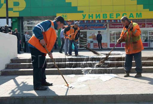 Дворникам Киева повышают зарплату
