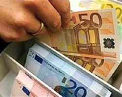 На наличном рынке подорожал евро