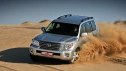 Покрываем пылью обновлённый внедорожник Toyota Land Cruiser 200