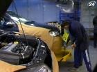 Объемы производства легковых авто сократились на 36,5%