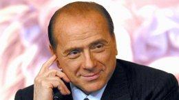 Берлускони в третий раз удержался в кресле премьер-министра