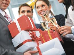 Как выбрать подарок начальнику на Новый год ?
