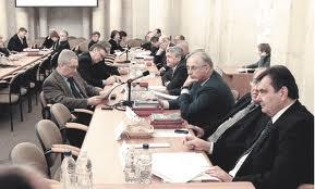 Янукович разогнал 40 госструктур