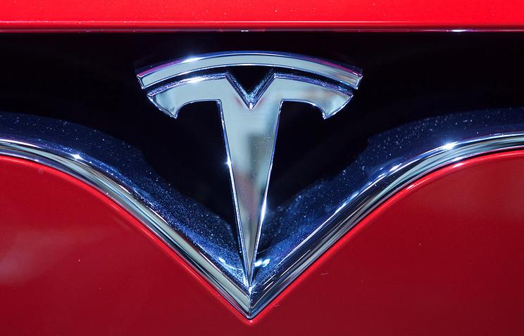 Tesla наймёт программиста Apple для усовершенствования своего автопилота