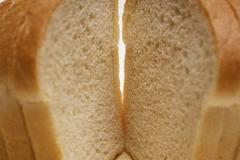 Кабмин сбивает цены на муку и хлеб