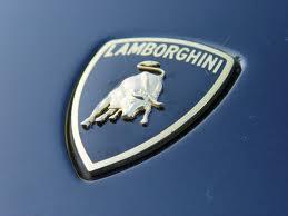 Lamborghini готовит четырехдверный Aventador