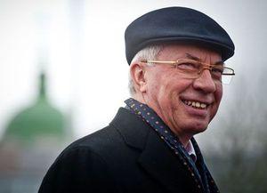 """И Азаров,  """"незаменимый"""" на посту..."""