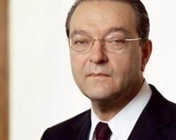 Чистая прибыль UBS в 2010 г. составила 5,51 млрд евро против убытка годом ранее