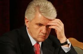 Почему Литвин подал в отставку?