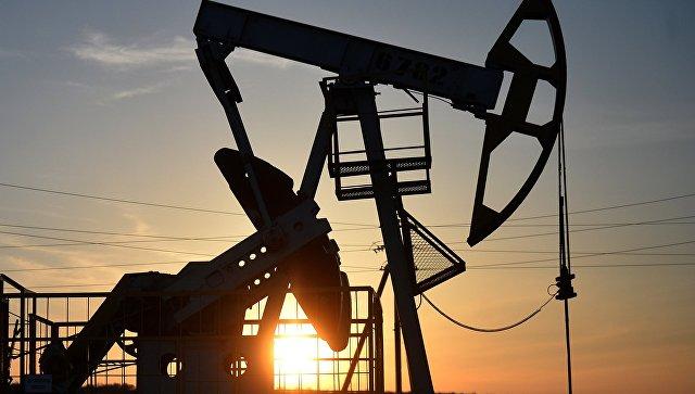 Нефтяные котировки снижаются на фоне роста числа буровых