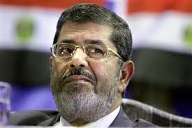 Египтяне забрали у Мурси полномочия