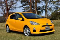 Toyota Aqua - самый экономичный гибрид в мире (ФОТО)