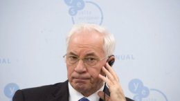 Азаров: Обеспечить стабильность гривни – не простая задача