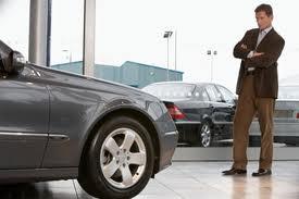 При покупке авто украинцам придется платить новый сбор